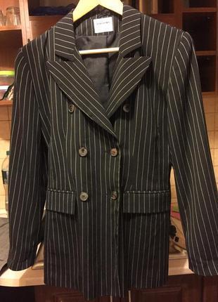 Пиджак двубортный жакет