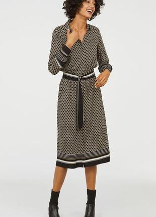 Стильное в принт платье рубашка с длинным рукавом вискоза