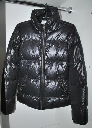 Куртка пуховик  чёрный бренда adidas  оригинал теплую без капюшона