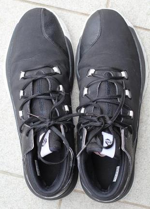 Улетные высокие  зимние ботинки кроссовки adidas оригинал