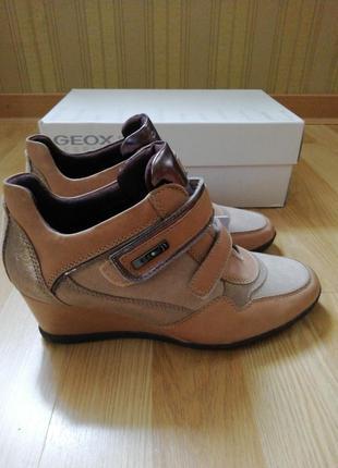 Ботинки geox р. 37 новые