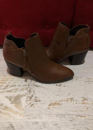 Ботинки із натуральної шкіри,від san marina