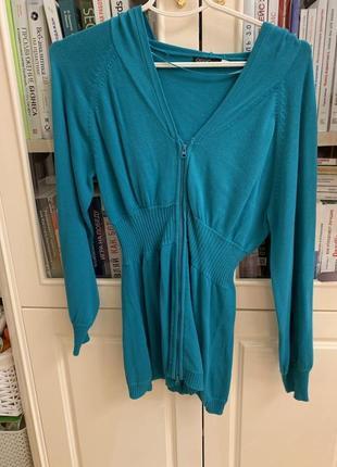 Бирюзовая кофта свитер