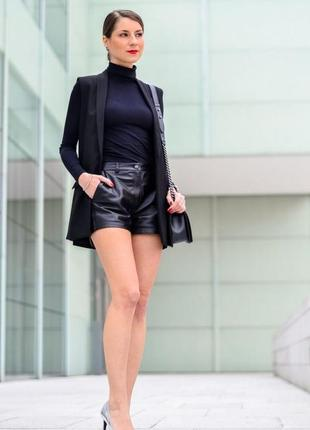 Брендовые шорты из экокожи от vero moda на наш 42-44. с этикеткой. супер!