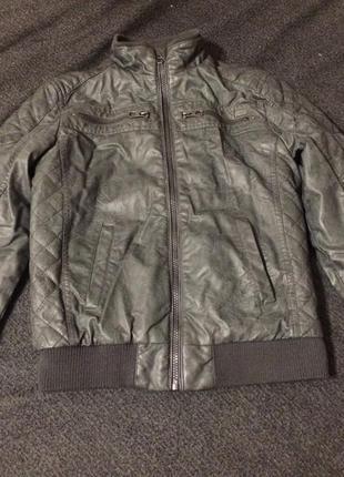 C&a here there кожаная куртка курточка