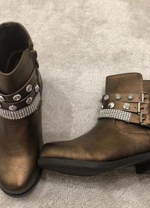 Ботинки женские по супер цене модель этого года