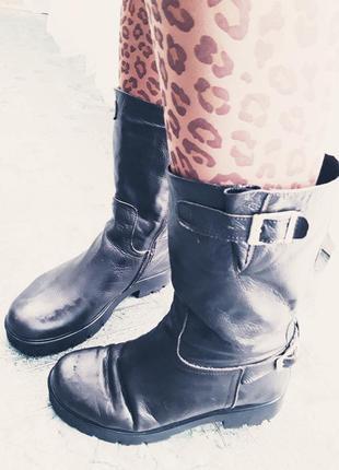 Стильные/утеплённые деми сапоги с пряжками в стиле милитари military new trend italy.