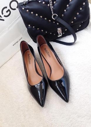 Лаковые лодочки на каблуке kitten heels