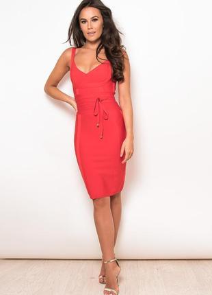 Шикарное красное бандажное платье от girl in mind