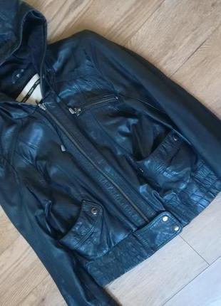 Натуральная кожаная куртка с капюшоном