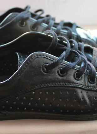 Стильные кожанные кроссовки buffalo, черные