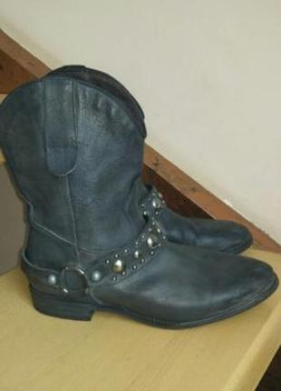 Ботинки женские кожанные новые р. 36
