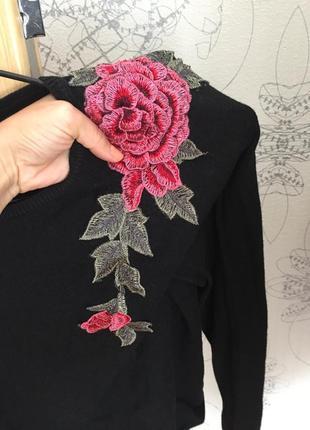 Трикотажная кофта с розой