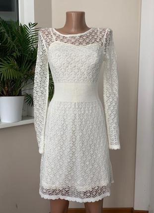 Нежное тёплое платье