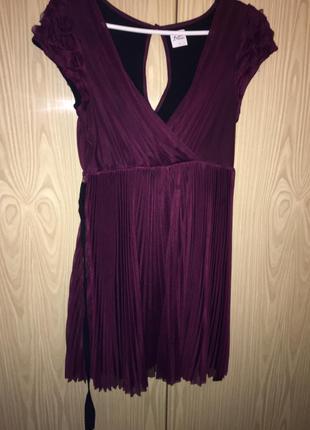 Супер платье в плиссировку цвета марсала