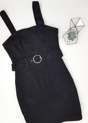 Джинсовое черное платье с модным поясом