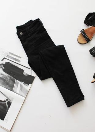 Классные черные штаны джинсы скини 25 хс с