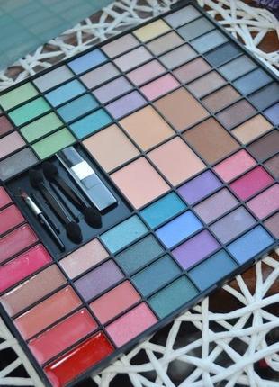 Фирменная палитра для макияжа тени, румяна, блески, пудра