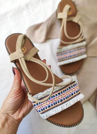 Новые бежевые женские босоножки сандалии