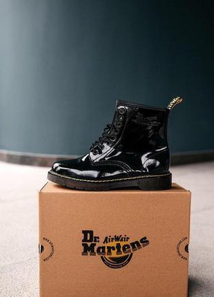 Оригинальные, лакированные ботинки dr.martens в чёрном цвете. | 2019-2020