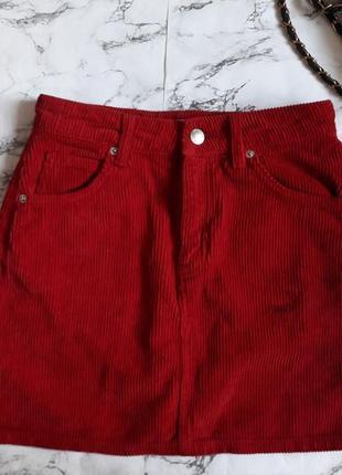 Вельветовая юбка а-силуэта красная