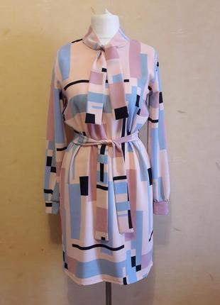 Шикарное платье свободного прямого кроя