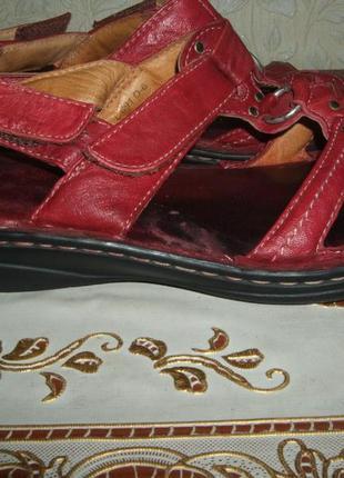 Комфортные кожаные босоножки clarks р.40