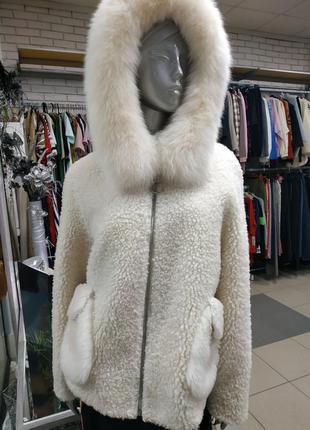 Куртка, шубка из 100% овечьей шерсти