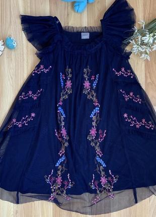 Фирменное нарядное платье next девочке 6 лет состояние нового