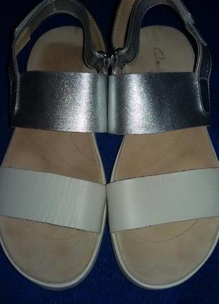 Босоножки кожаные clarks