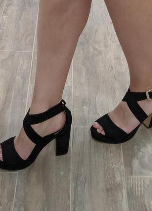 Еко замша туфли босоножки 38 размер. h&m