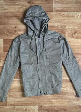 Мужская куртка / ветровка / размер l