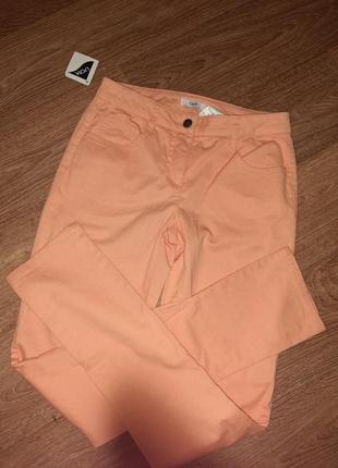 Новые. оч.красивые брюки!⚘