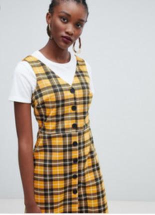 Платье сарафан в клетку  на пуговицах new look