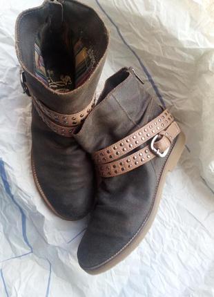 Ботинки натуральная кожа.
