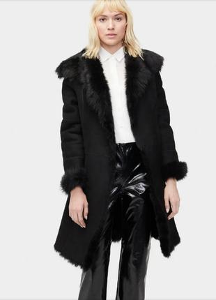 Брендовая черная дубленка с капюшоном и карманами belle femme мех вышивка акрил