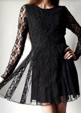 Роскошное кружевное платье