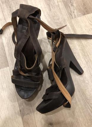 Туфли на каблуке braska