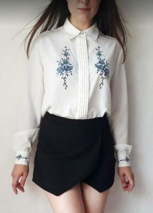 Шикарная рубашка с вышивкой
