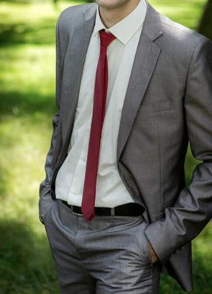 Мужской костюм 44 размер брюки пиджак рубашка галстук