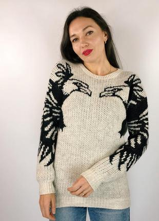 Тёплый плотный свитер с орлами