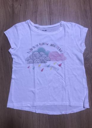 Легкая футболка.