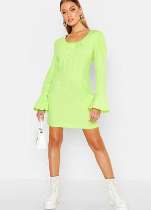 Boohoo. товар из англии. салатовое платье в сочном неоне . на наш размер 42.