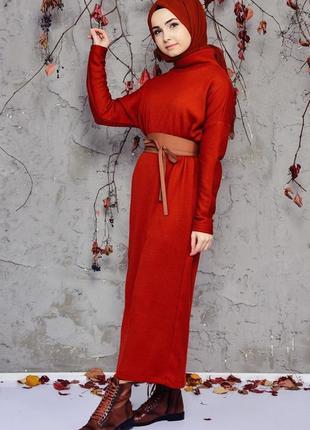 Шикарное трикотажное платье с рукавом летучая мышь.