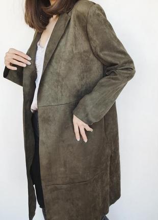 Легкое пальто под замш