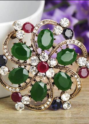 Невероятно красивая ювелирная брошь с австрийскими кристаллами