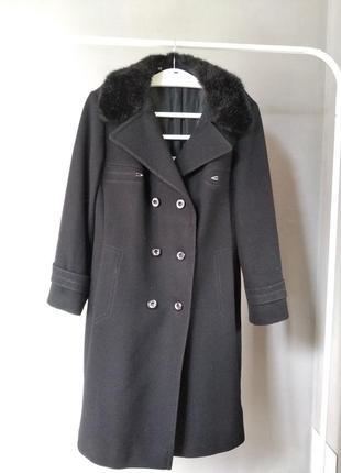 Очень елегантное пальто из натуральной шерсти canda