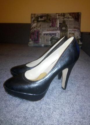 Туфли черные 36 размера