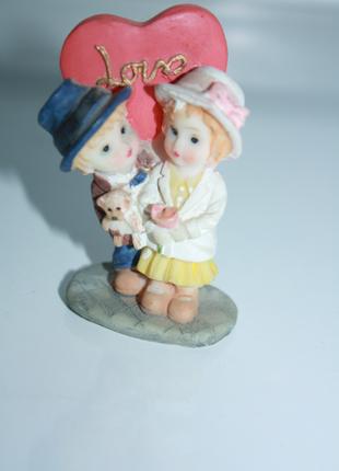 Статуэтка влюбленная парочка с сердечком
