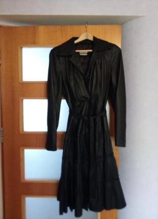 Кожаный плащ, размер м, 2000 грн